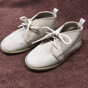 Old navy dress shoes size 7t
